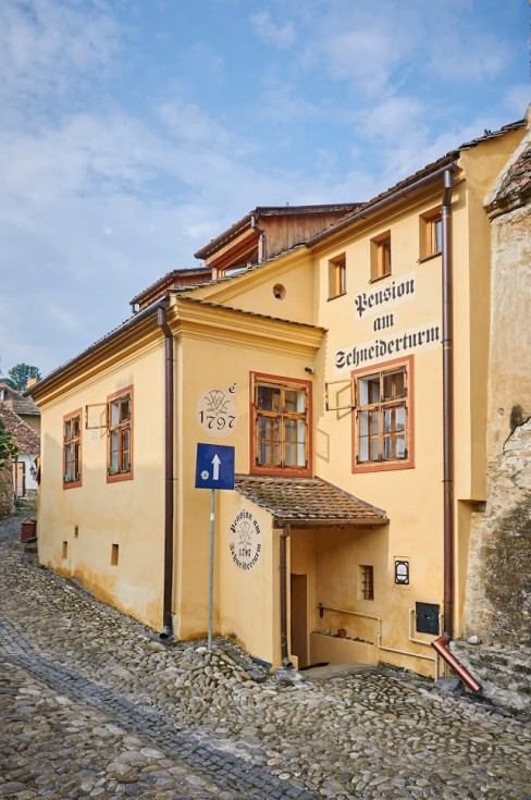 "(alt=""2015 Pension am Schneiderturm Sighisoara"")"